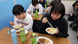 20191231年越し大特訓(昼食�E).jpg
